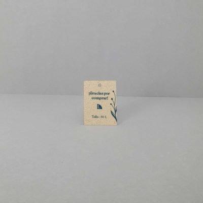Etiquetas de papel con semillas